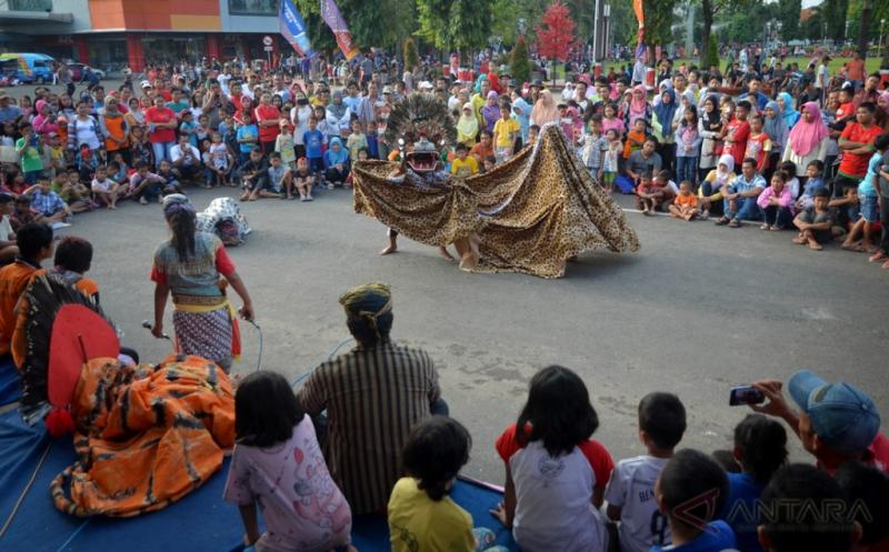 Wujud Pelestarian Budaya, Kelompok Seni Irka Budoyo Kenalkan Seni Barongan