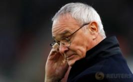 Pelatih Leicester City, Claudio Ranieri pada pertandingan Leicester City kontra Stoke City. Serangkaian hasil minor yang diderita juara bertahan Liga Inggris, Leicester City, berbuntut pada pemecatan Claudio Ranieri. (Reuters/Carl Recine)