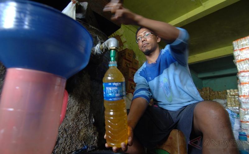 Kemendag Tetapkan Harga Minyak Goreng Curah Rp10.500/ Liter