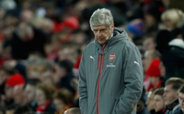 Pelatih Arsenal Arsene Wenger menunjukkan ekspresinya saat menyaksikan pertandingan pada Arsenal kontra Liverpool pada lanjutan Liga Inggris musim 2016-2017 pekan ke-26 di Stadion Anfield, Minggu (5/3/2017) dini hari WIB. Pada pertandingan tersebut, Arsenal dibungkam Liverpool 1-3. (Reuters/Lee Smith)