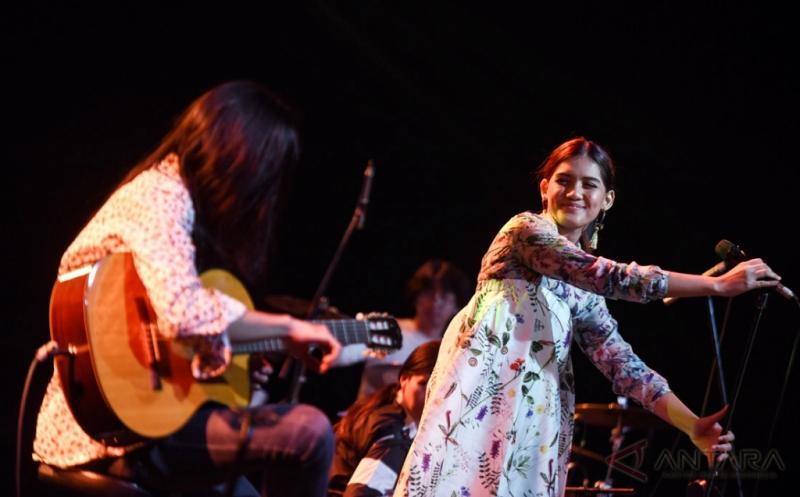 Monita Tahalea Hibur Pengunjung Java Jazz Festival 2017