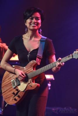 Ada Ariel dan Sophia Latjuba di Java Jazz Festival 2017