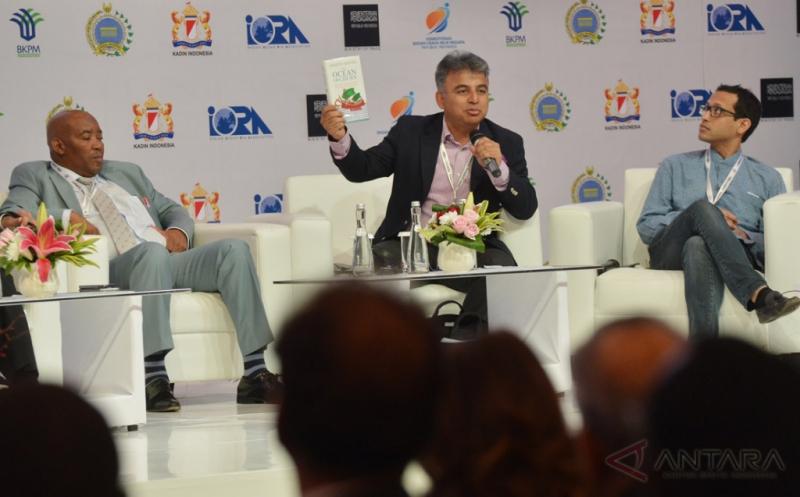 Sesi Pertama Business Summit KTT IORA 2017