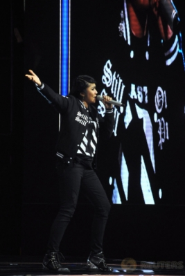 Agung-Mieke Buka Panggung Super 7 Rising Star Indonesia 2017