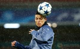 Pemain Real Madrid Cristiano Ronaldo menghadiri sesi latihan di Stadion San Paolo, Italia, Selasa (7/3/2017) dini hari WIB. Real Madrid akan menghadapi Napoli pada leg kedua babak 16 besar Liga Champions 2016-2017. (REUTERS/Tony Gentile)