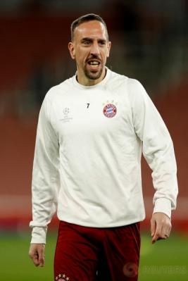 Franck Ribery pada sesi latihan Bayern Munich jelang leg kedua babak 16 besar Liga Champions kontra Arsenal. (Reuters/John Sibley)