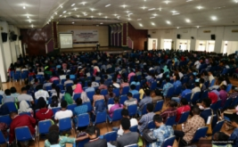 <p>  Chairman & CEO MNC Group Hary Tanoesoedibjo berbagi pengalaman dan wawasan saat memberikan kuliah umum kepada ratusan mahasiswa di Universitas Papua (Unipa) Manokwari, Jumat (10/3/2017).</p>