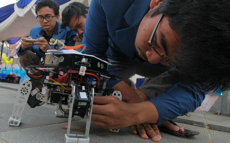Wow! Mahasiswa Ini Ciptakan Prototipe Robot Pemadam Api