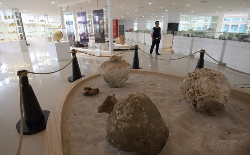 Pameran Ini Hadirkan 1.500 Barang Muatan Kapal Tenggelam dari 2 Dinasti