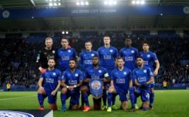 Para pemain Leicester City berfoto bersama sebelum memulai pertandingan melawan Sevilla pada leg kedua babak 16 besar Liga Champions 2016-2017 di King Power Stadium, Rabu (15/3/2017) dini hari WIB. (Reuters/Carl Recine)