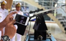 <p>  Senapan berbasis android dengan dua telefon selular sebagai kontrol dan pergerakan dengan menggunakan bluetooth sebatas 20 meter.</p>
