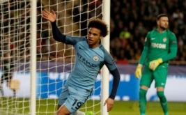 Pemain Manchester City Leroy Sane melakukan selebrasi setelah mencetak gol ke gawang AS Monaco pada leg kedua babak 16 besar Liga Champions di Stade Louis II, Monaco, Kamis (16/3/2017) dini hari WIB. (Reuters/Eric Gaillard)