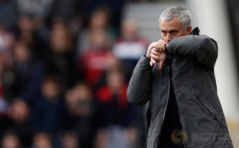 Ekspresi Manajer Manchester United, Jose Mourinho di pinggir lapangan saat Manchester United melawan  Middlesbrough  pada laga Liga Inggris di Stadion Riverside, Inggris. Walau main tandang MU berhasil menang 3-1.