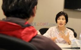 Presiden Direktur & CEO BCA Life, Christine Setyabudhi saat bincang santai bersama redaksi Okezone di Kantor Redaksi Okezone, Gedung iNews TV, Jakarta, Senin (20/3/2017).