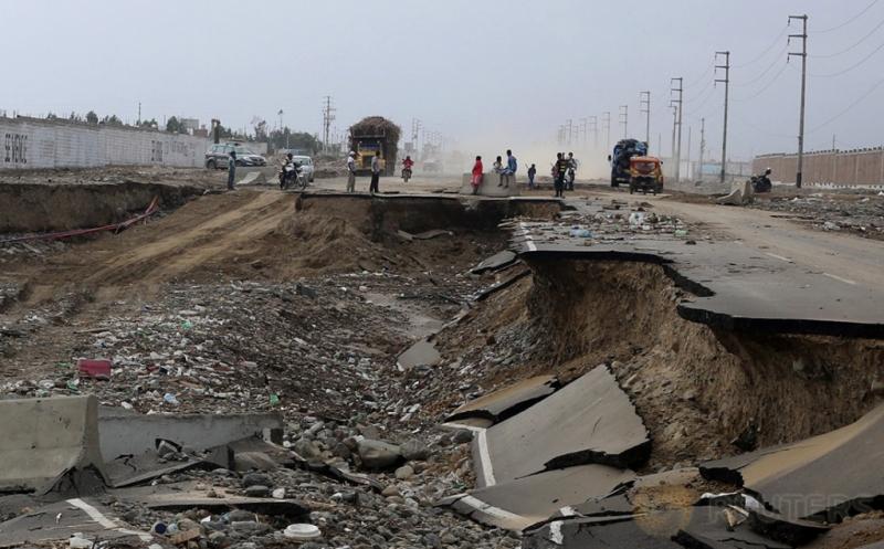 Jalan Raya di Peru Hancur Akibat Terjangan Banjir Bandang