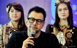 Raffi Ahmad saat konferensi pers HUT ke-9 Dahsyat di MNC Tower 2, Kebon Jeruk, Jakarta Barat, Senin (20/3/2017). Sembilan tahun tayangan Dahsyat di RCTI, Raffi Ahmad tetap setia menjad host Dahsyat.