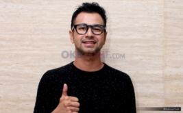 Raffi Ahmad saat ditemui usai konferensi pers HUT ke-9 Dahsyat di MNC Tower 2, Kebon Jeruk, Jakarta Barat, Senin (20/3/2017). Sembilan tahun tayangan Dahsyat di RCTI, Raffi Ahmad tetap setia menjad host Dahsyat.