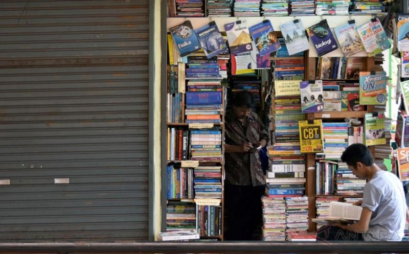 Penjualan Buku Turun