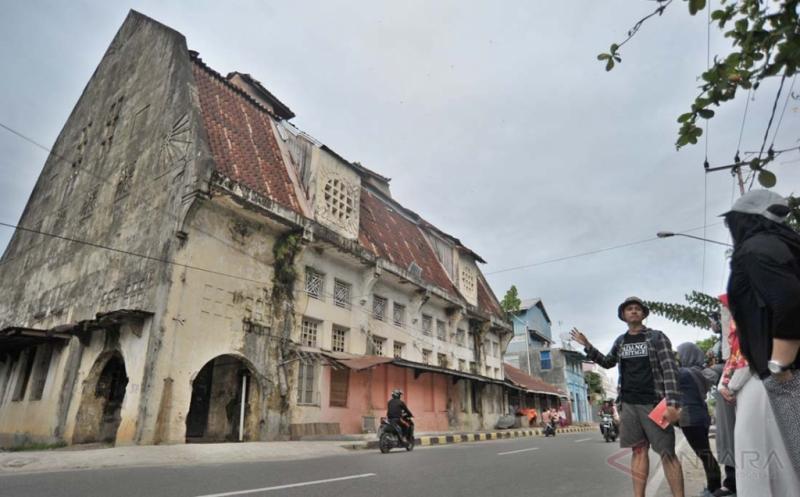 Meneropong Kota Tua Padang Sambil Belajar Sejarah