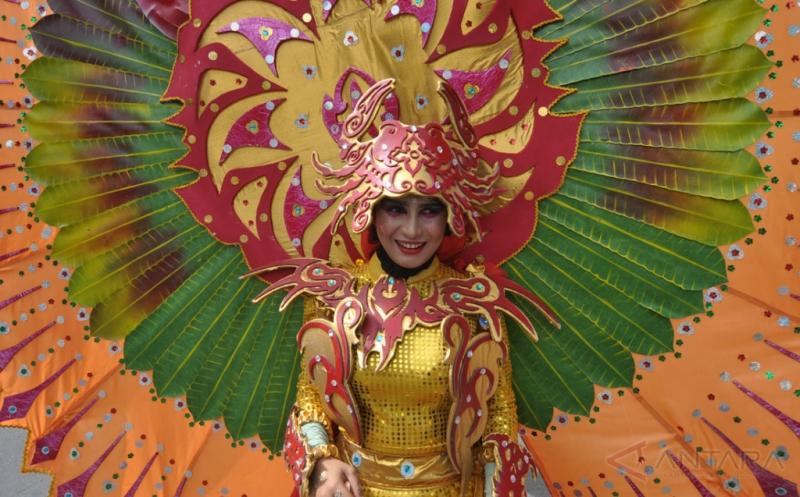 Karnaval Budaya Semarakkan HUT ke-53 Provinsi Sulteng