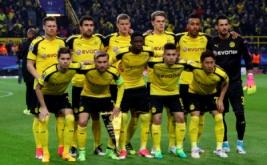 Para pemain Borussia Dortmund berfoto bersama sebelum pertandingan melawan AS Monaco pada leg pertama babak perempat-final Liga Champions musim ini di Signal Iduna Park, Jerman, Kamis (13/4/2017) dini hari WIB. (Reuters/Kai Pfaffenbach)