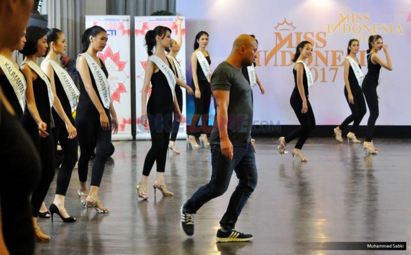 MISS INDONESIA 2017: Begini Suasana Saat Finalis Jalani Latihan Koreografi