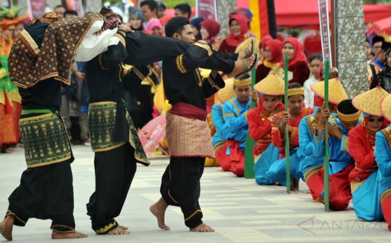 Perkenalkan Budaya Minang lewat Festival Siti Nurbaya