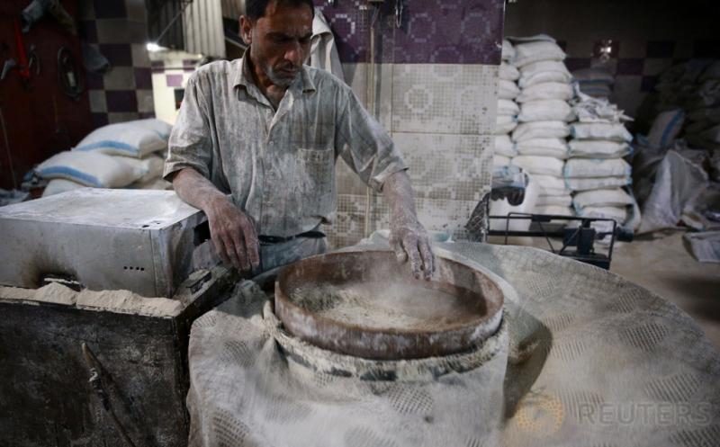 Melihat Lebih Dekat Industri Rumahan Pembuatan Roti di Suriah