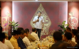 Hary Tannoe juga mengimbau agar demokrasi betul-betul ditegakkan, supaya masyarakat bisa memilih pemimpin terbaik bagi Jakarta.