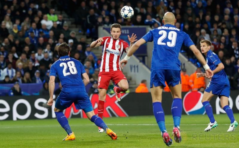 Saul Niguez (dua kiri) saat mencetak gol ke gawang Leicester City pada leg kedua perempatfinal Liga Champions 2016-2017, Rabu (19/4/2017) dini hari WIB. (Reuters/Carl Recine)