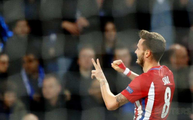 Saul Niguez selebrasi usai mencetak gol ke gawang Leicester City pada leg kedua perempatfinal Liga Champions 2016-2017, Rabu (19/4/2017) dini hari WIB. (Reuters/Carl Recine)