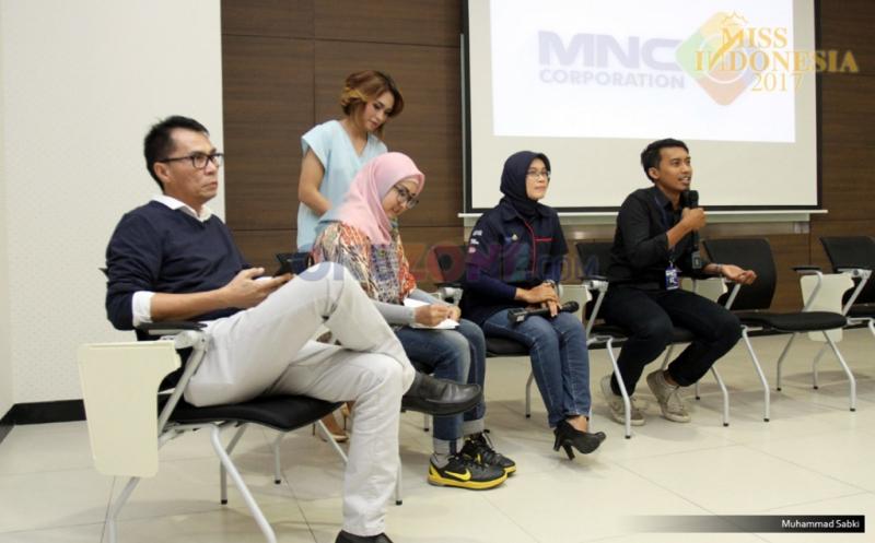 Suasana saat 34 finalis Miss Indonesia 2017 menerima pembekalan dari MNC Group di Gedung MNC News Center, Jakarta Pusat, Kamis (20/4/2017). Dalam pembekalan ini, 34 Miss Indonesia diperkenalkan unit bisnis dari MNC Group.