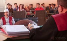 Gatot Brajamusti Dijatuhi Hukuman 8 Tahun Penjara