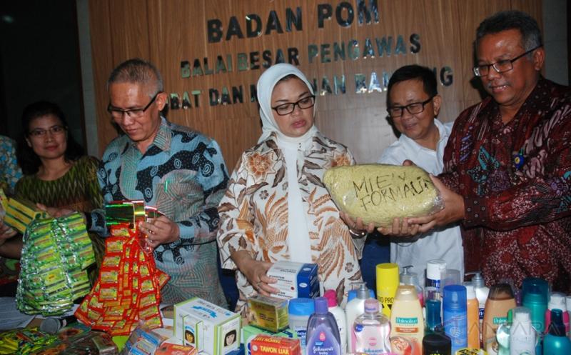BBPOM Bandung Temukan 727 Makanan Ilegal Senilai Rp737 Juta