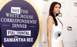 Hadiri Makan Malam di Gedung Putih, Padma Lakshmi Pilih Kenakan Gaun Putih