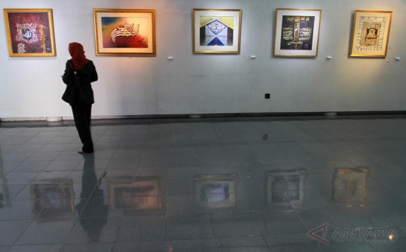Pameran Amal 40 Lukisan Kaligrafi Galang Dana Pembangunan Masjid