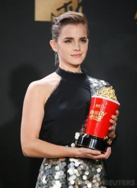 Emma Watson Raih Penghargaan Pemain Film Terbaik MTV Movie & TV Awards 2017
