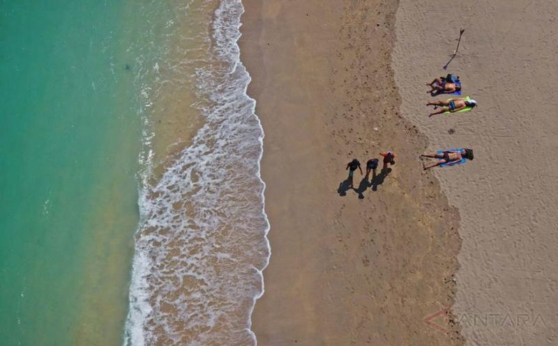 Pantai Sengigi Tujuan Favorit Wisatawan