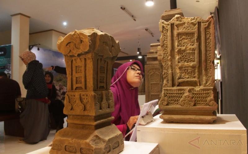 Yuk, Lihat Batu Nisan Peninggalan Masa Kerajaan Aceh Darussalam Abad XVI