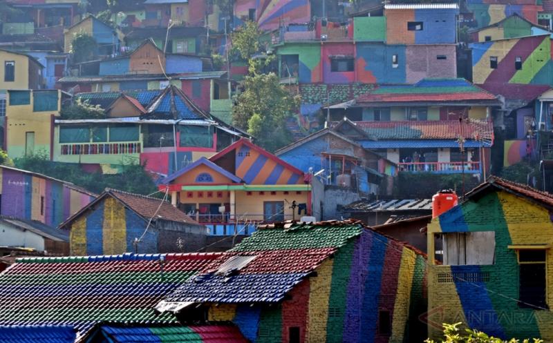 Nilai Jual Wisata dalam Warna-warni Kampung Wonosari