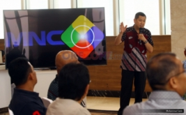 <p>  Chairman & CEO MNC Group Hary Tanoesoedibjo memberikan kata sambutan saat menerima kunjungan rombongan dari Kementerian Komunikasi dan Multimedia Malaysia di MNC News Center, Jakarta, Minggu (14/5/2017).</p>