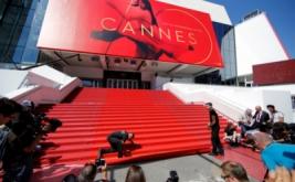 Pemasangan Karpet Merah Festival Film Cannes ke-70