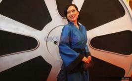 Artis Ira Wibowo saat berada di red carpet Indonesian Movie Actors Awards (IMAA) 2017 di MNC News center, Jakarta, Kamis (18/5/2017).