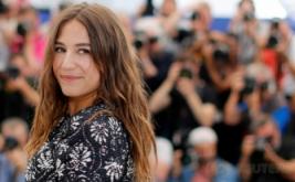 Penyanyi Izia Higelin pada Festival Film Cannes ke-70