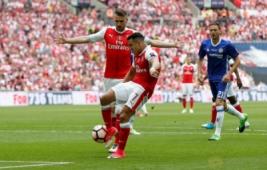 Alexis Sanches saat menjebol gawang Chelsea pada Final FA Cup di Wembley Stadium, Minggu (28/5/2017) dini hari. Reuters / Andrew Yates