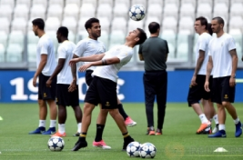 Paulo Dybala saat hadir sesi latihan di Juventus Stadium, Selasa (30/5/2017). Juventus Jalani sesi latihan untuk persiapan jelang Final Liga Champions minggu ini. REUTERS/Giorgio Perottino