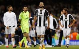 Raut sedih para pemain Juventus setelah gagal menjadi juara Liga Champions di The National Stadium of Wales, Cardiff, Sabtu (3/6/2017) waktu setempat. Juventus kalah telak dengan skor 1-4.