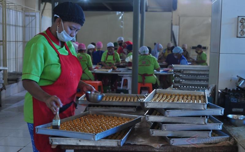 Penuhi Permintaan Pasar, Selama Ramadan-Lebaran Produsen Kue Kering Tingkatkan Produksi