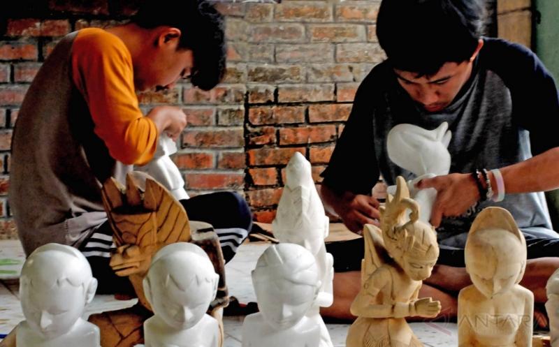 Wayang Golek Kayu Lame Ini Dijual ke Eropa dan Asia