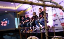 (ki-ka) Program Acqusition MNC Group Sandy Anugerah, Chief Distribution Operating Officer Co-Founder Revosport Glen Stidolph, Sales & Marketing Director RCTI Tantan Sumartana dan Headshot Off Strategic Marketing Communication RCTI Faisal Ivan hadir dalam jumpa pers persiapan pagelaran event The Reds Run di MNC Studios, Kebon Jeruk, Jakarta, Kamis (15/6/2017). Dalam rangkaian HUT yang ke-28 RCTI menggelar event bertajuk The Reds Run yang merupakan kegiatan lari santai para pencinta sepakbola dunia, khususnya fans klub asal Inggris Liverpool pada 20 Agustus 2017 di Bintaro Xchange.